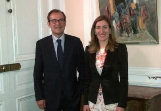 """Министър Николина Ангелкова с Кристиан Мантеи, изпълнителен директор на държавната агенция по туризъм (""""Atout France"""")."""