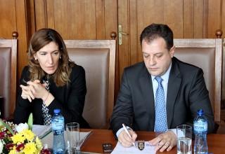 Министър Ангелкова: За всеки туристически район ще се разработят тематични рекламни материали