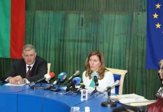 Министър Ангелкова: Трябва да положим общи усилия за подобряване облика на курортите