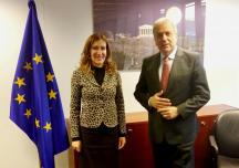 Министър Ангелкова се срещна с комисаря по миграция, вътрешни работи и гражданство Димитрис Аврамопулос